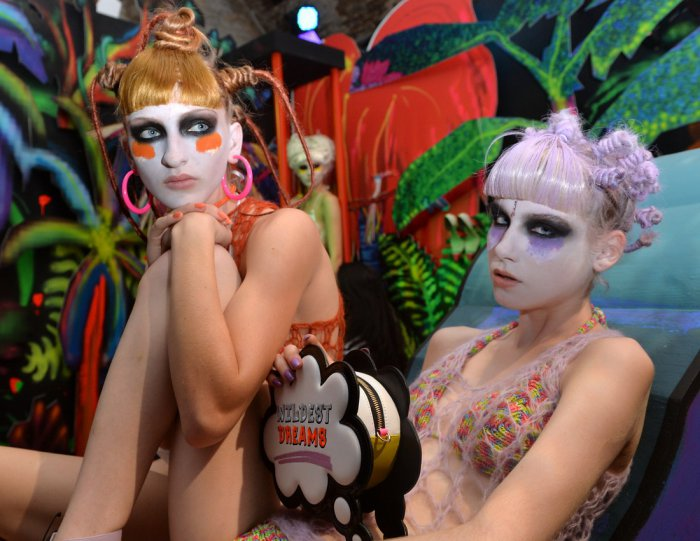 Модели Get Wild at London Fashion Week 2015