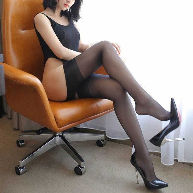 High Heels Nylons pictures Sexy Stockings Legs on High Heels.